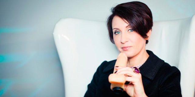 Инструктор по минету Лиза Питеркина